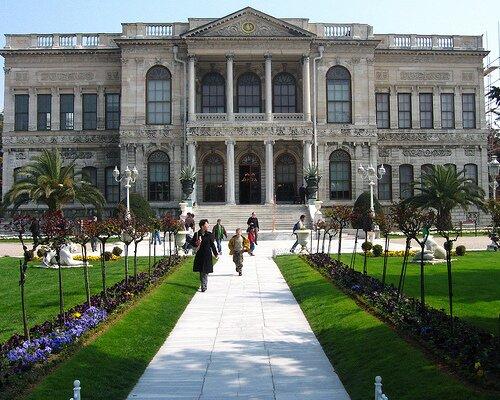Дворец Долмабахче. Достопримечательность Стамбула