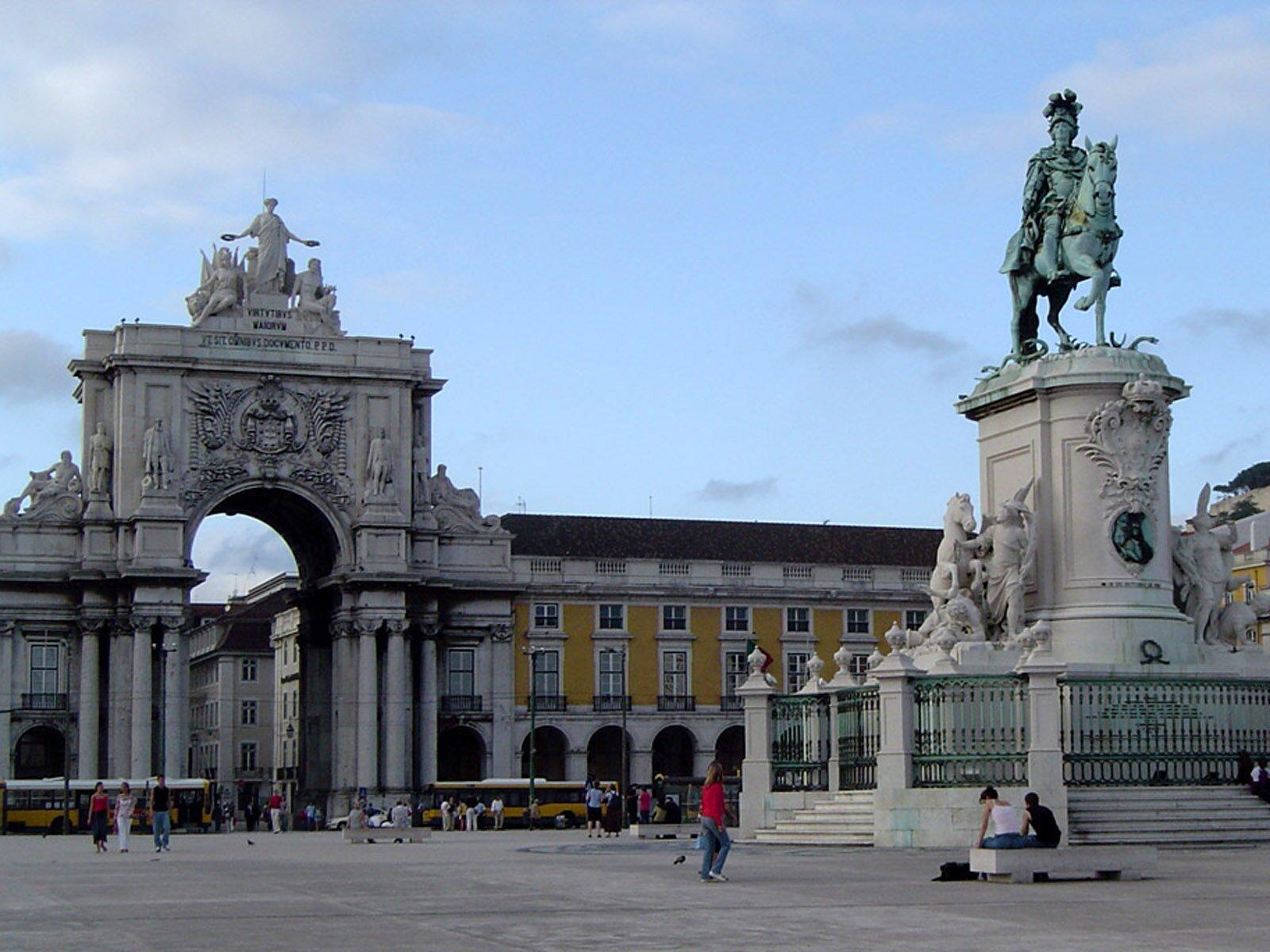 Торговая площадь. Достопримечательности Лиссабона